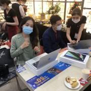 Việt Nam dần trở thành cứ điểm sản xuất điện thoại, laptop toàn cầu