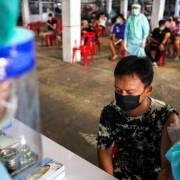 Bảo hiểm Thái Lan tung sản phẩm điều trị tác dụng phụ của vắc xin Covid-19