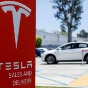 Tesla muốn đầu tư xây hệ thống lưu trữ năng lượng tại Indonesia
