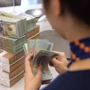 Mỹ gỡ mác 'thao túng tiền tệ' cho Việt Nam