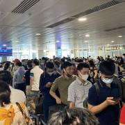 Bộ GTVT khẩn cấp yêu cầu giải quyết tình trạng ùn tắc tại Tân Sơn Nhất