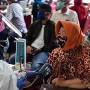 Tiêm chủng đại trà vắc xin Covid-19: bài học từ thất bại của Indonesia