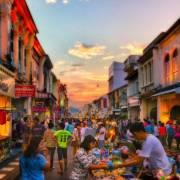 Phuket tiến dần đến 'miễn dịch cộng đồng', mở cửa từ ngày 1/7