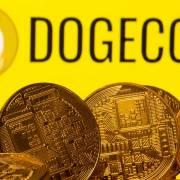 Bitcoin, Dogecoin lao dốc thảm sau một đêm