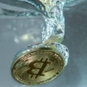 Các quỹ đầu tư nước ngoài bỏ Bitcoin để quay lại với vàng