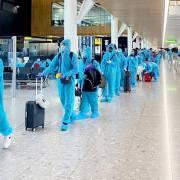 Sân bay Tân Sơn Nhất dừng đón các chuyến bay chở người nhập cảnh