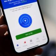 Thực hư thông tin xử phạt người dùng smartphone không cài Bluezone