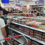 TP.HCM: Rau, trứng gia cầm đã đầy đủ trên quầy kệ