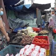 Bộ Y tế 'hỏa tốc' hướng dẫn phòng chống dịch tại chợ đầu mối, chợ bán lẻ