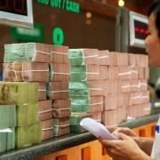 Ngân hàng bắt đầu giảm lãi suất cho vay