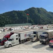 Trung Quốc bất ngờ thông báo tạm dừng xuất nhập khẩu qua cửa khẩu Lũng Vài