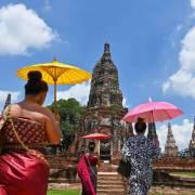 Đông Nam Á quyết định 'mở cửa' vực dậy nền kinh tế