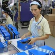 Nike, Adidas, Foot Locker… lo ngại đứt chuỗi cung ứng