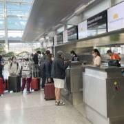 Cục Hàng không yêu cầu các hãng dừng mở bán vé máy bay nội địa