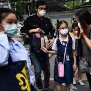 Thái Lan tiêm vắc xin cho học sinh, mở cửa lại trường học vào tháng 11