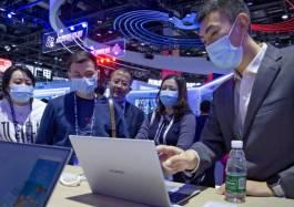 Trung Quốc vượt Mỹ để trở thành siêu cường quốc dữ liệu