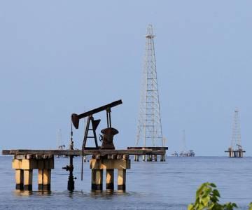 Giá xăng, dầu thế giới giảm mạnh