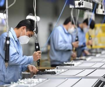 Trung Quốc khôi phục hoạt động của ngành chế tạo