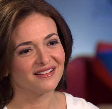 Nữ giám đốc điều hành Facebook tặng 31 triệu USD làm từ thiện