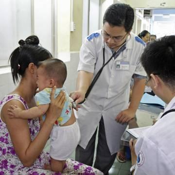 Giải cứu một nền y học méo mó