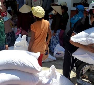 Ninh Thuận cấp gạo cứu đói cho 30.900 hộ dân vùng hạn