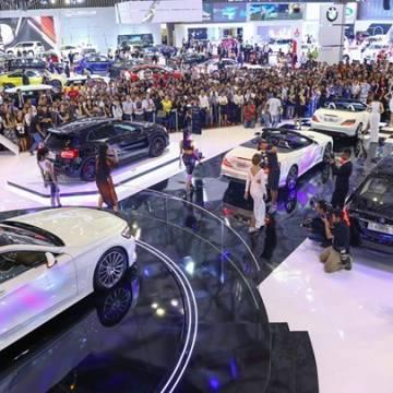 Người Việt mua ô tô nhiều gấp đôi trong tháng 3