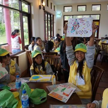 Chuyện chiếc đùi gà ở Trại hè Đại sứ Hàng Việt tí hon