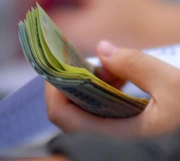 Bộ Tài chính đề xuất tiếp tục giảm phí, lệ phí đến hết 31/12/2021