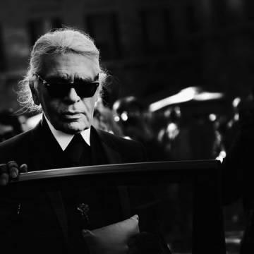 Huyền thoại thiết kế của Chanel qua đời ở tuổi 85
