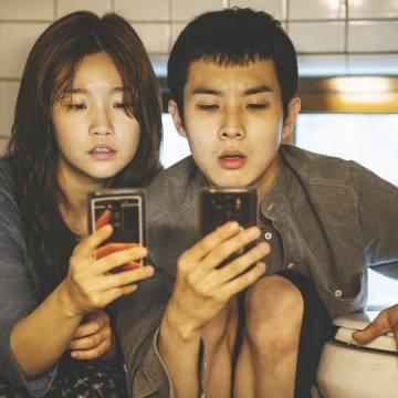 Parasite – giễu nhại xã hội Hàn Quốc bằng cái nhìn trực diện và sâu cay
