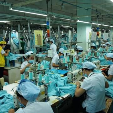 Điều kiện kinh doanh trong lĩnh vực lao động đang 'cải lùi'