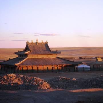 Chùa xưa Gimpil Darjaalan lặng lẽ giữa sa mạc Gobi