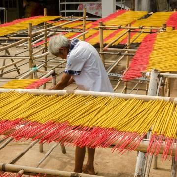 Việt Nam đề nghị Ấn Độ thông quan 300 container hương nhang