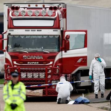 Việt Nam phối hợp nhận dạng 39 nạn nhân chết trong xe đông lạnh tại Anh