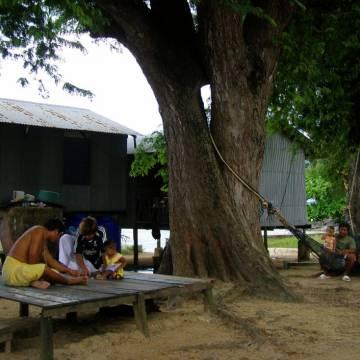 Chơ vơ làng du mục biển ở Phuket
