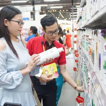 Co.opmart bắt đầu giảm giá hàng Tết sớm