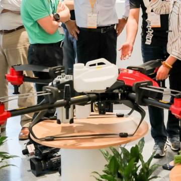 'Cánh đồng lớn' ở Trung Quốc giúp nhà sản xuất drone XAG tăng gấp đôi doanh số