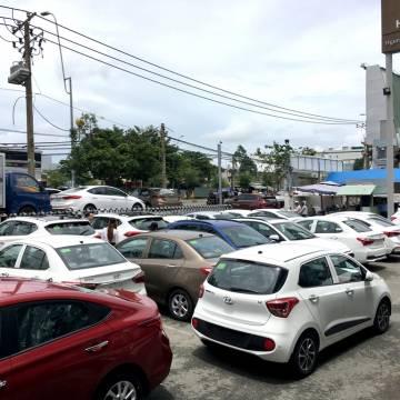 Ô tô giảm giá mạnh, mua ngay hay chờ giảm tiếp?