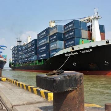 Nghiên cứu đầu tư cảng nước sâu cho vùng ĐBSCL