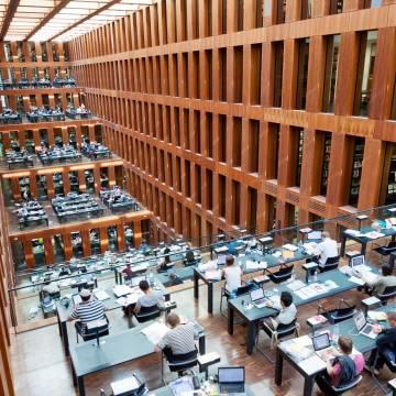Tự do học thuật hay sự chậm tiến?