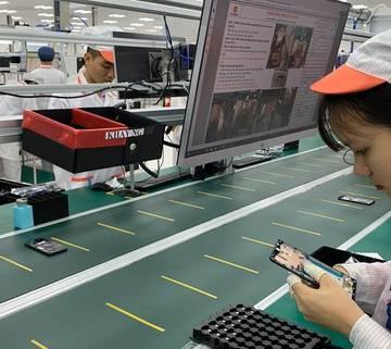 Rệu rã smartphone thương hiệu Việt