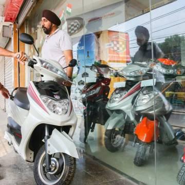 Xe điện Ấn Độ được kích hoạt bởi ô nhiễm