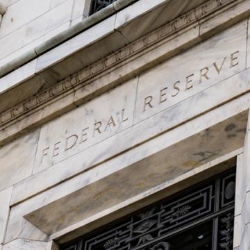 Fed duy trì chính sách tiền tệ ổn định với lãi suất gần bằng 0