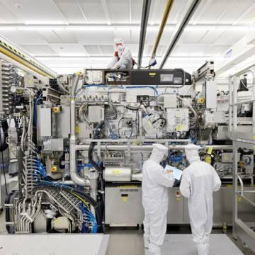 Mỹ ngăn Hà Lan bán công nghệ sản xuất chip cho Trung Quốc
