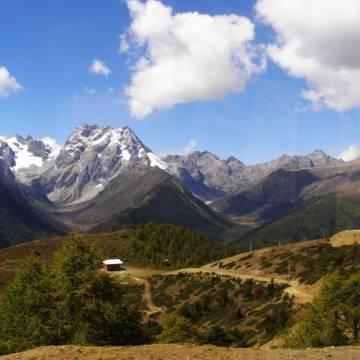 Lãng đãng trên xa lộ G214 vọng ngó Tibet