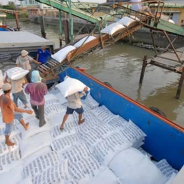 Hơn 68.000 tấn gạo trong hạn ngạch đã được thông quan