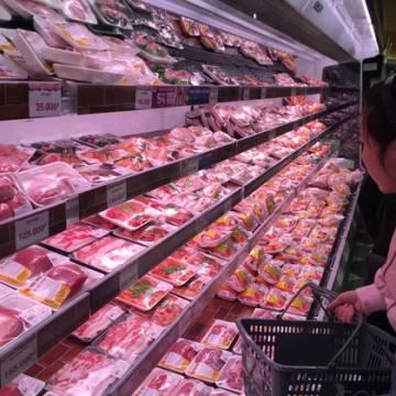Thịt heo ngoại về cảng Việt Nam chỉ có 60.000 đồng/kg