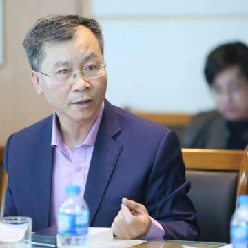 TS Vũ Đình Ánh: Cần vận hành kinh tế an toàn thay vì đóng băng