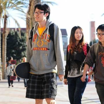 Mỹ cảnh báo sẽ trục xuất sinh viên Trung Quốc