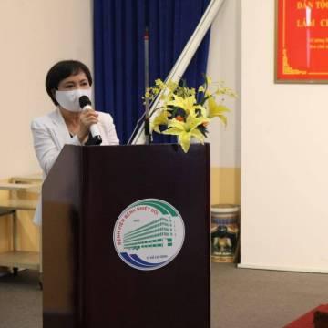 PNJ trao tặng robot và các thiết bị y tế hỗ trợ chống dịch Covid-19